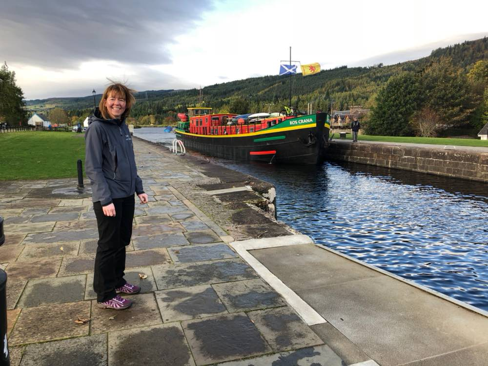 Fort Augustus: Rosie & Jim's barge approaches the locks on the Caledonian Canal (Caledonian Cruises)