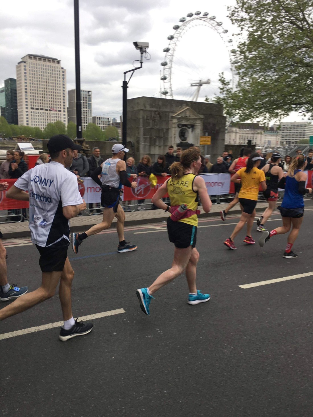 2019 Virgin Money London Marathon (mile 25)