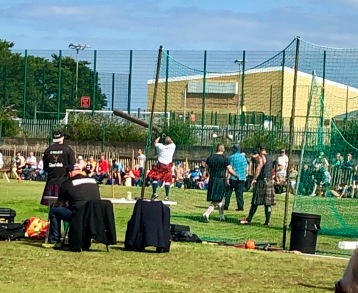 Tossing the Caber at Burntisland Highland Games