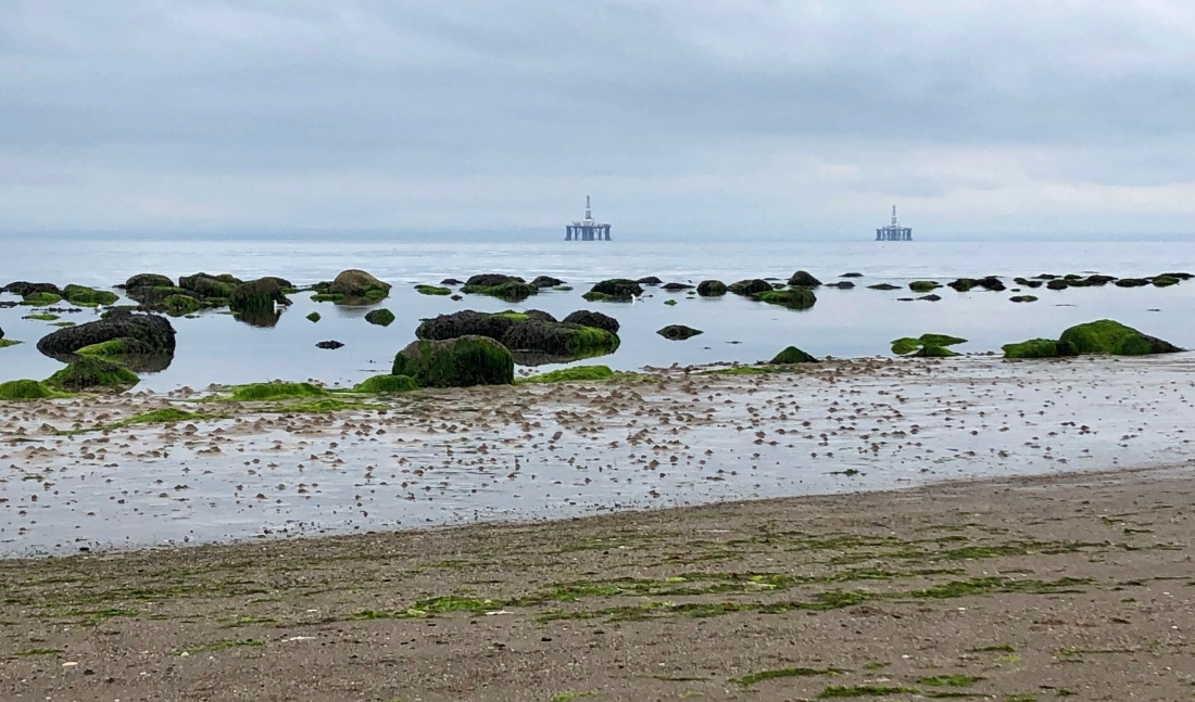 Low tide: running along the beach on the Fife Coastal Path
