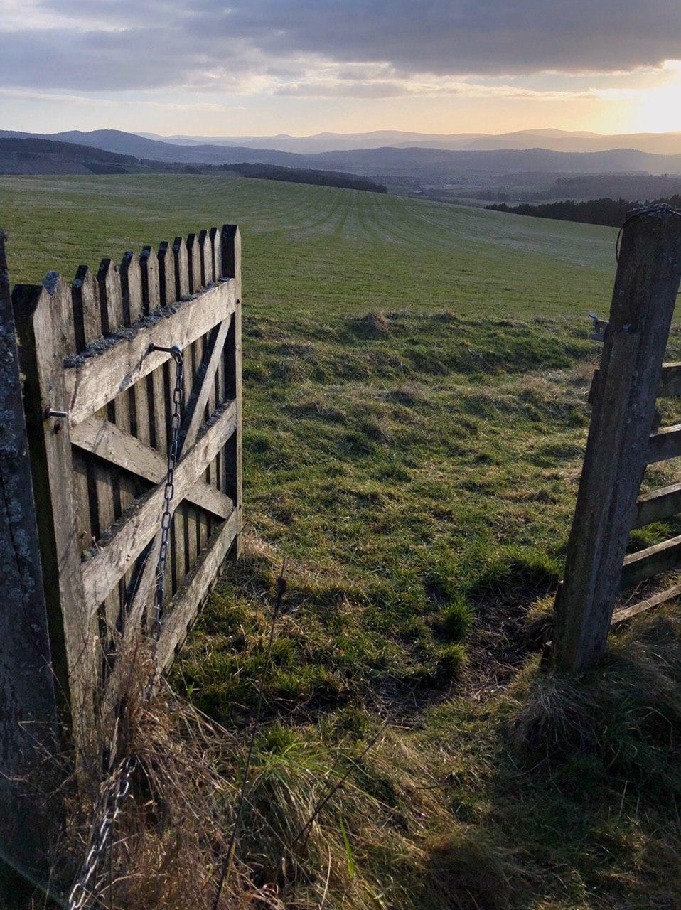 Pressendye: the first of the gates