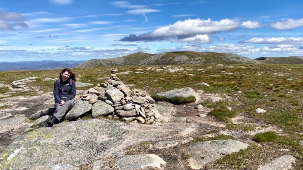 Summit cairn, Carn a' Choire Bhoidheach