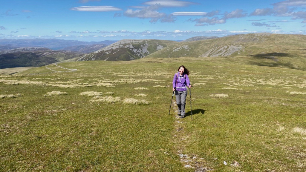 Walking between Cairn of Claise and Glas Maol